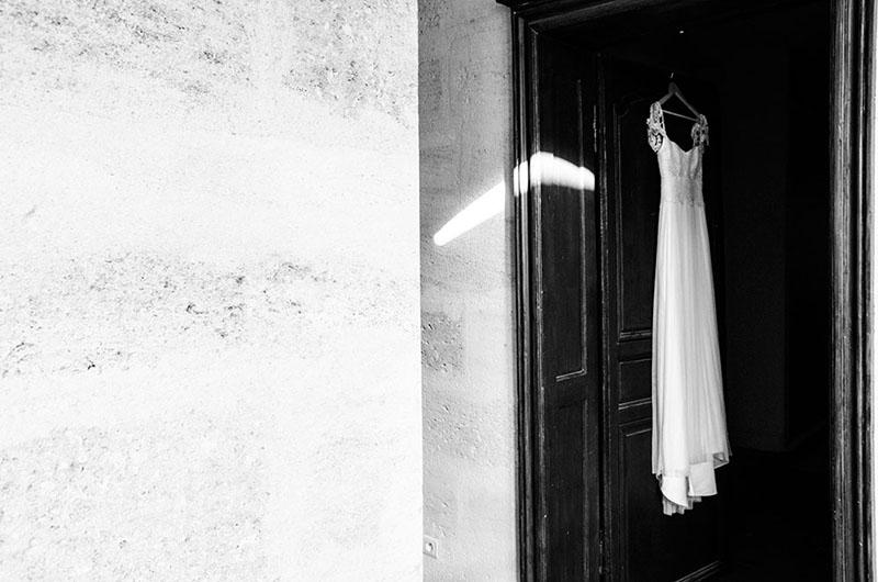 Jolie-robe-de-mariage-bordeaux