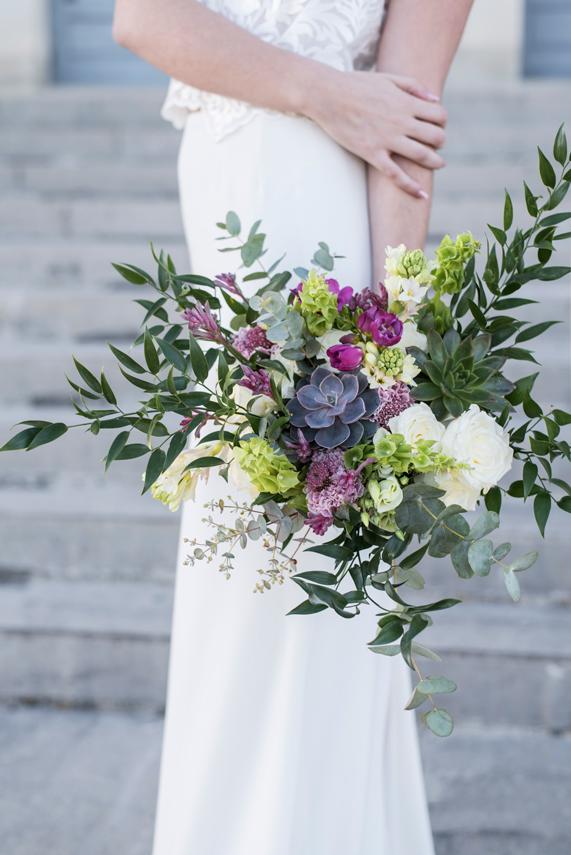 bouquet-de-la-mariée-gloriosa-en-auvergne