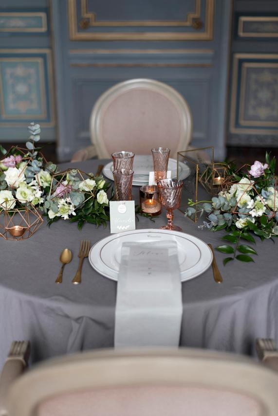 Dressage-de-la-table-pour-la-soiree-de-mariage