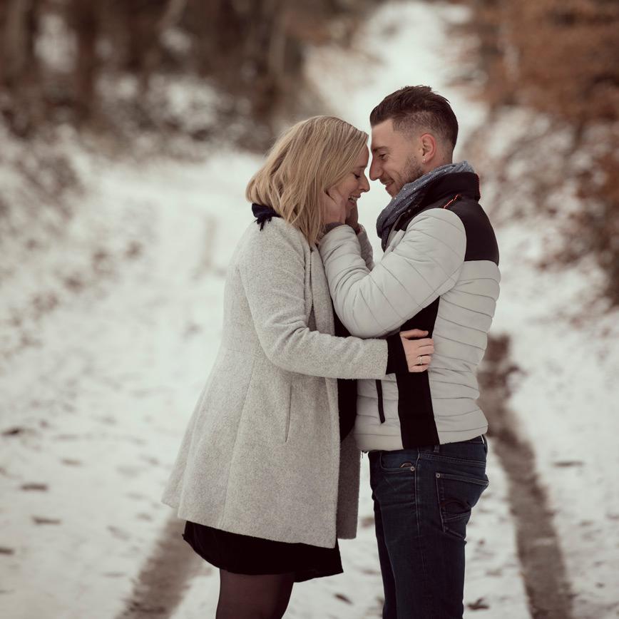 seance photos couple dans la neige riom